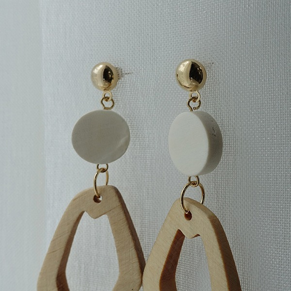 White wood Earring #520